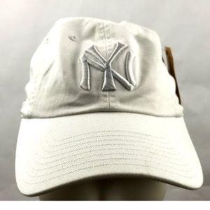 NEW YORK YANKEES AMERICAN NEEDLE BASEBALL HAT